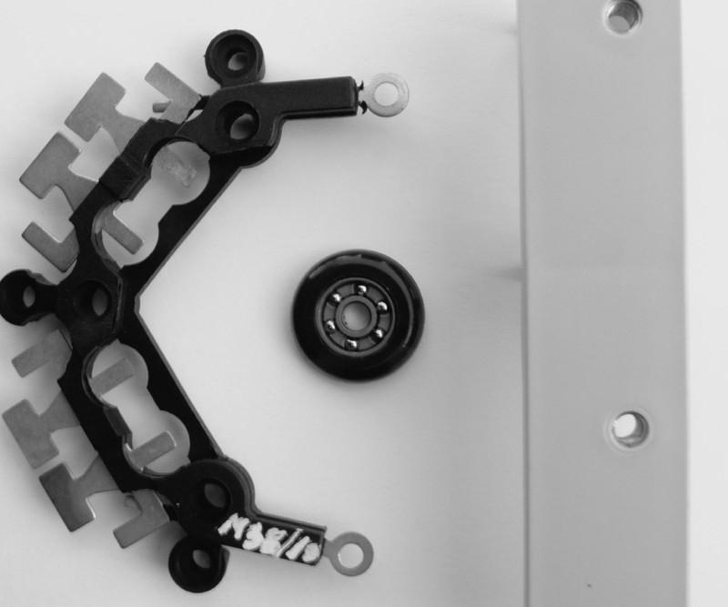 Terminal para alternador y rodamiento a bolillas Material: PA66 + FV