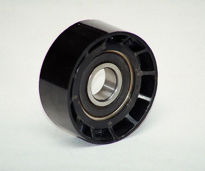 Polea tensora con rodamiento Material: PPS