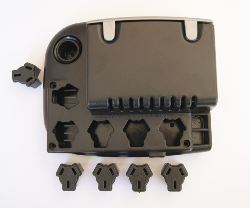 Regulador de tensión TRV Material: ABS